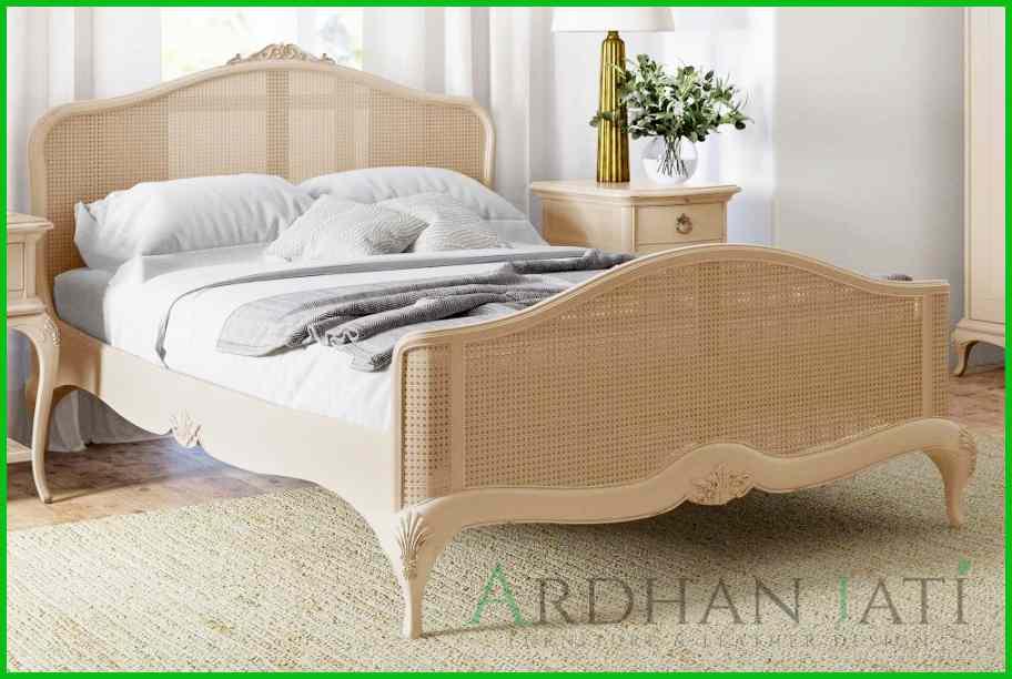 Tempat Tidur Minimalis Mewah Kayu Jati dan Rotan