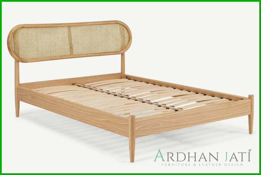 Tempat Tidur Minimalis Modern Kayu Jati dan Rotan